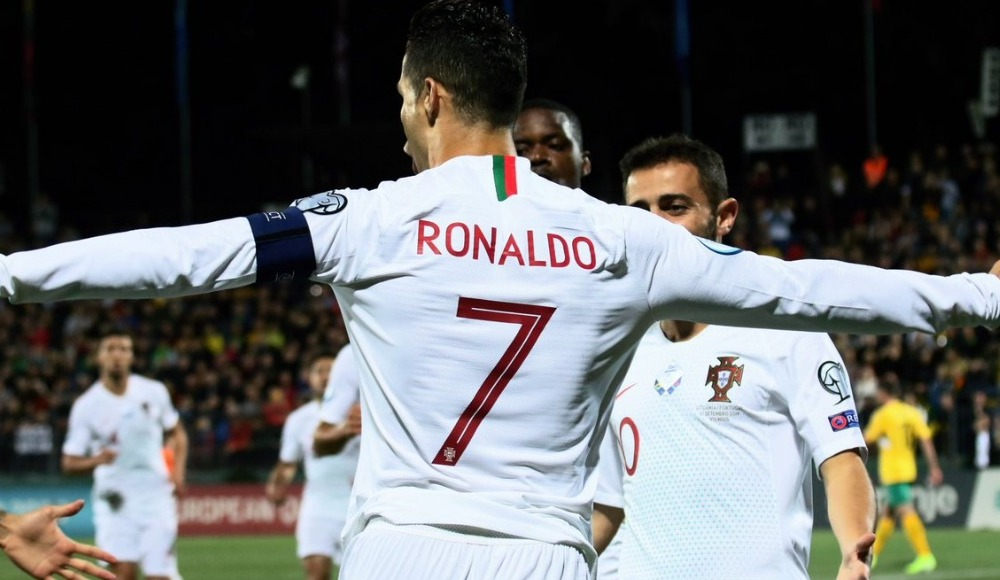 Cristiano Ronaldo, Litvanya karşısında hat-trick yaptı!