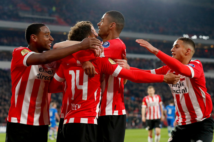 PSV Eindhoven 49 maç