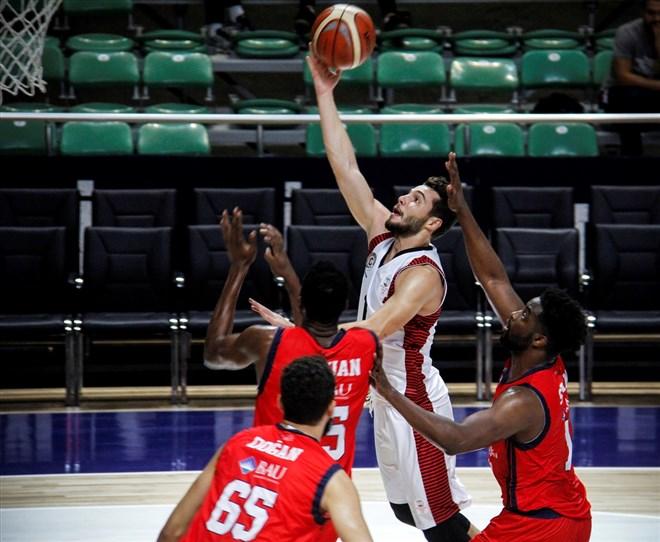 Gaziantep Basketbol, Bahçeşehir Koleji'ni 98-78 yendi