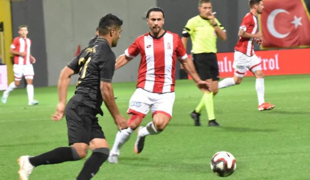 İstanbulspor, sahasında Balıkesirspor ile 2-2 berabere kaldı
