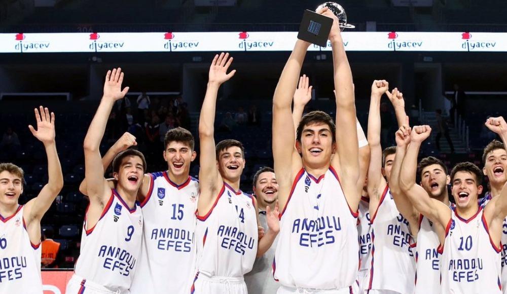 Doğan Hakyemez Gençler Turnuvası'nda şampiyon Anadolu Efes