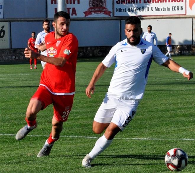 Karacabey Belediyespor, sahasında Nevşehirspor'u 1-0 mağlup etti