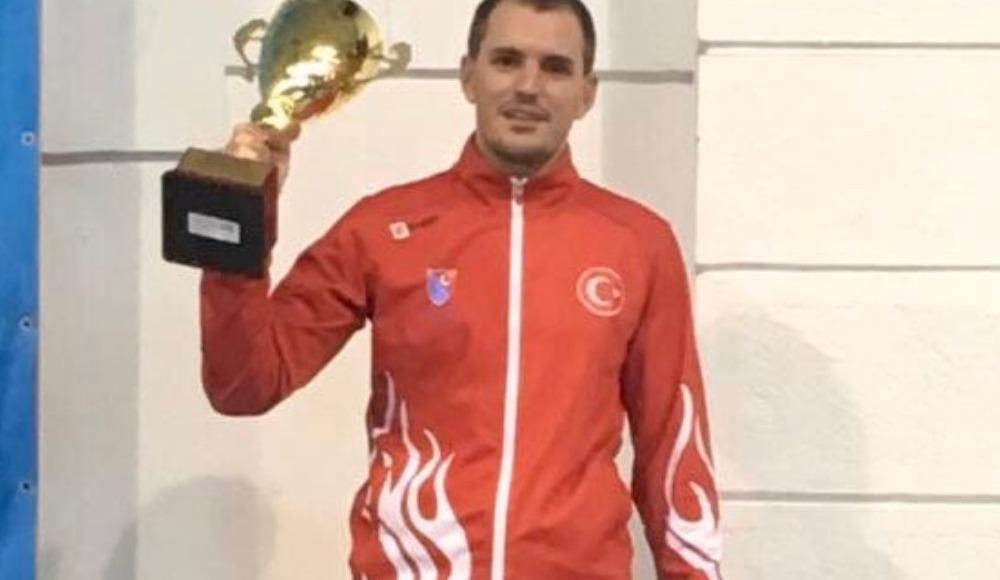 Martino Minuto'dan Romanya'da altın madalya