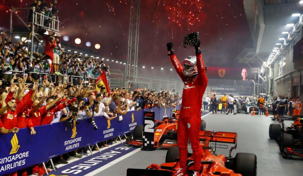 Formula'da Singapur GP'sini kazanan Vettel oldu!
