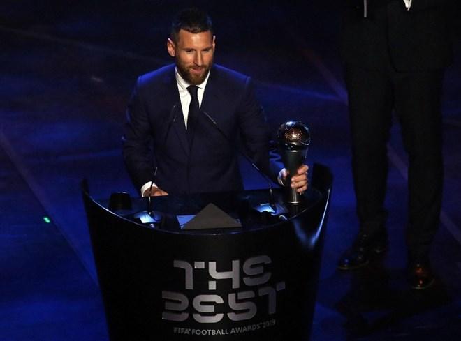 Yılın futbolcusu Messi
