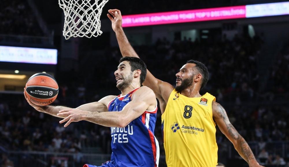 EuroLeague'de Anadolu Efes, Barcelona Lassa'ya 64 - 74 mağlup oldu
