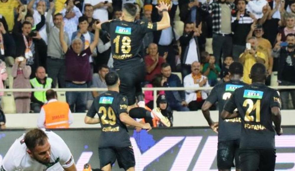 Gomis'ten sonra Jahovic! Bir maçta 4 gol..