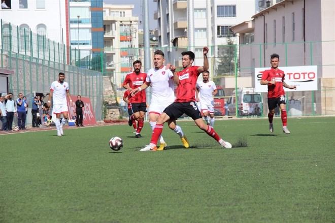 Elazığ Belediyespor FK, sahasında Turgutluspor'a 3-0 mağlup oldu