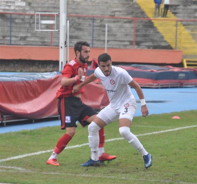 Zonguldak Kömürspor, sahasında Yeni Çorumspor'a 2-1 mağlup oldu