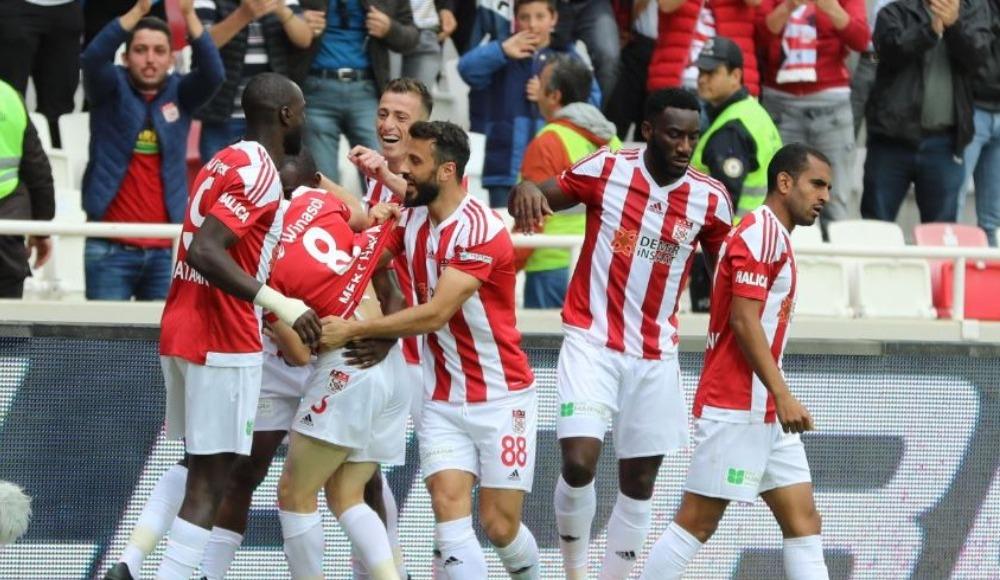 Sivasspor evinde 3 puanı kaptı: 3-1!