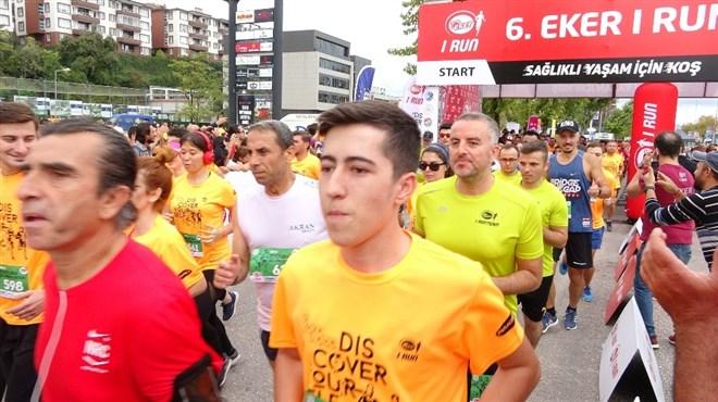 Bursa'da 2 bin 500 kişi sağlık için koştu
