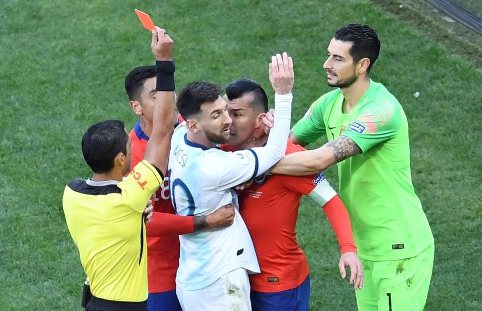 Messi oynuyor mu? Messi cezalı