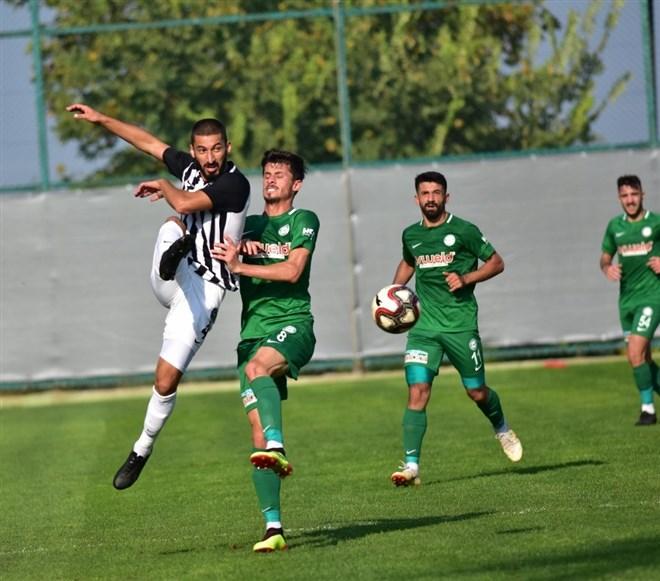 Manisa FK sahasında 1922 Konyaspor'u 6-2 mağlup etti