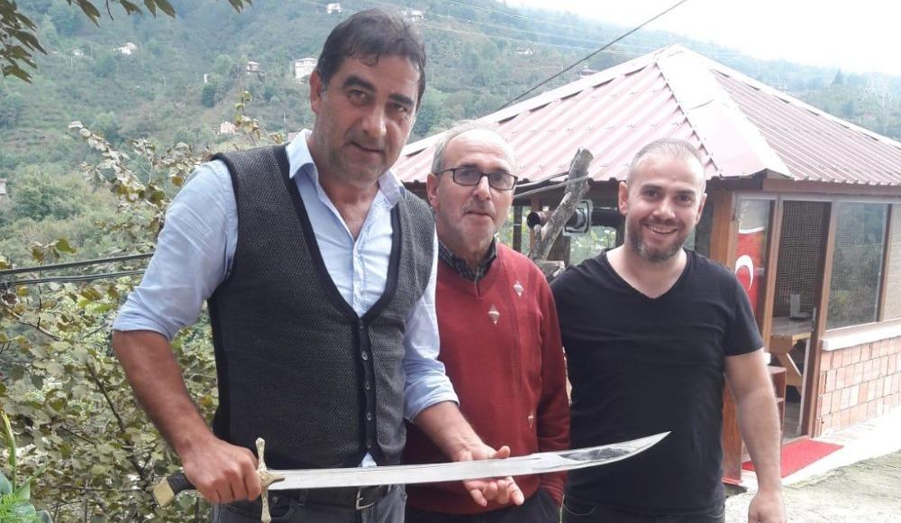 Ünal Karaman'a kılıç hediye edildi