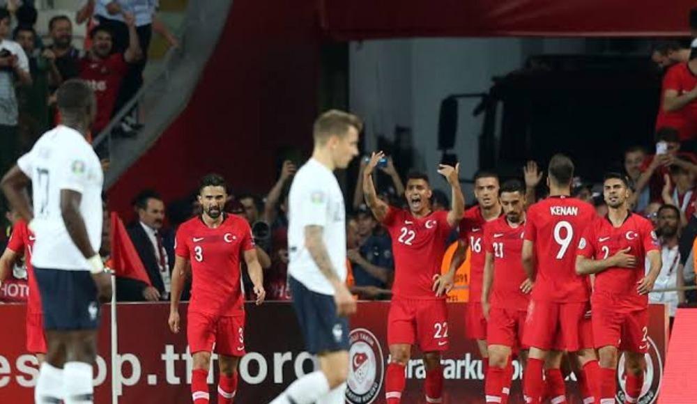 Fransa maçında Türk taraftarlar stadın yarısını doldurabilir!