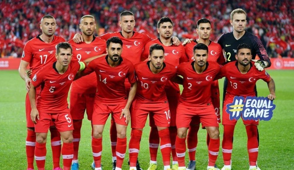 Türkiye, Fransa ile liderlik maçında