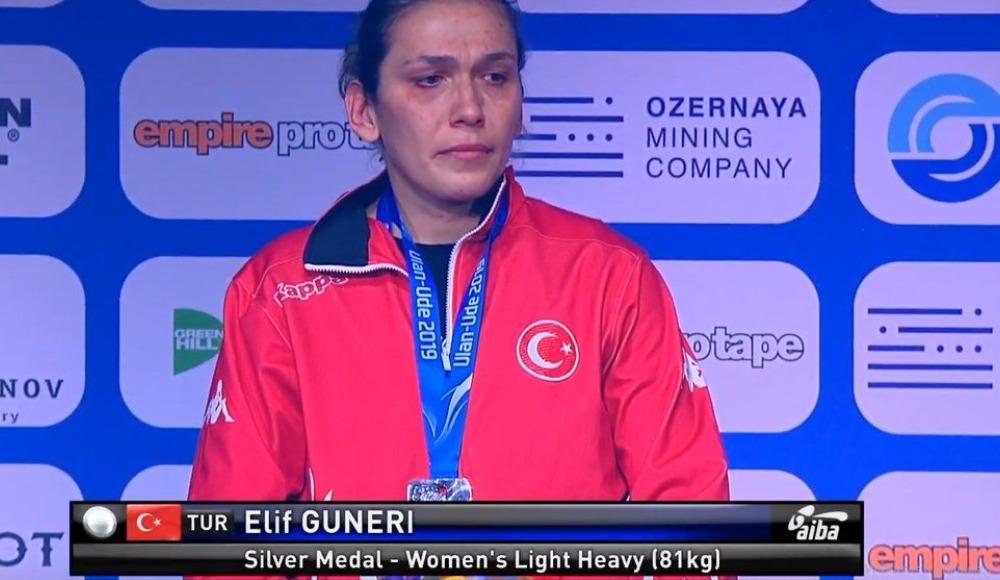 Elif Güneri, gümüş madalya kazandı