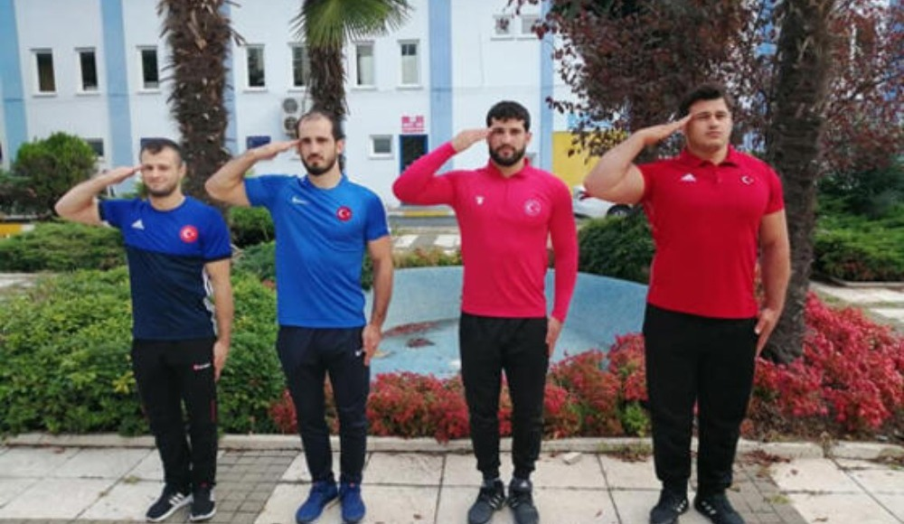 Milli güreşçiler Asker ocağında!
