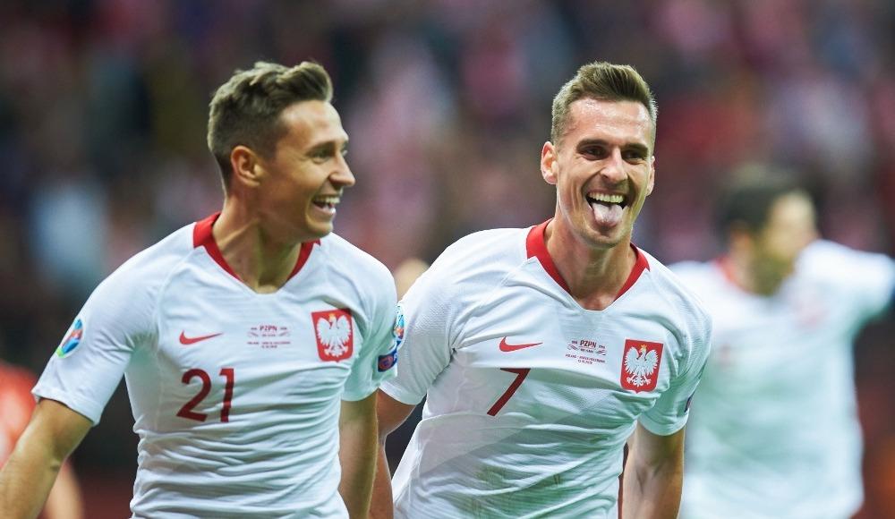 Polonya, Kuzey Makedonya'yı 2 golle geçti!