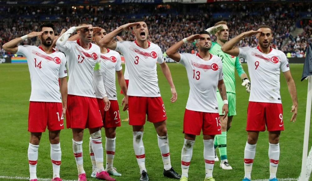 A Milli Futbol Takımımız, Fransa'dan lider döndü!