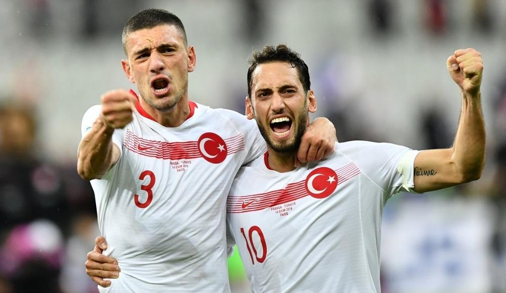 """Hakan Çalhanoğlu: """"Hiçbir zaman pes etmedik"""""""