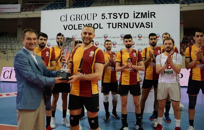TSYD İzmir Voleybol Turnuvasında Galatasaray HDI Sigorta şampiyon oldu!