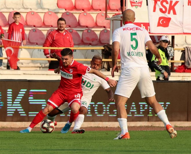 Boluspor, sahasında Giresunspor'u iki golle geçti!