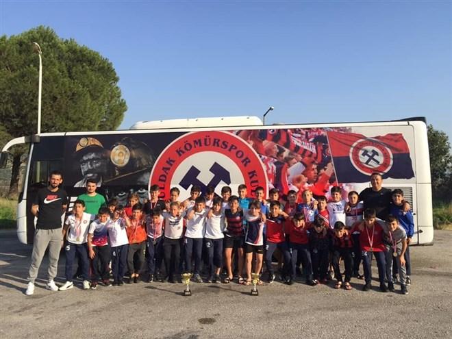 Zonguldak Kömürspor altyapı takımından 2 kupa