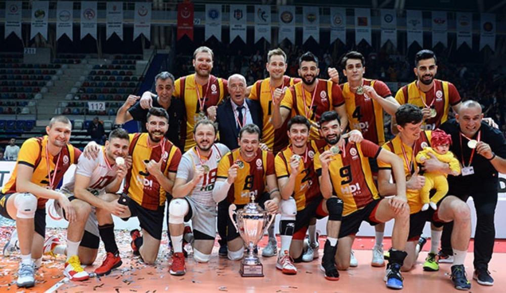 Galatasaray, voleybolda 30 yıllık kupa hasretine son verdi