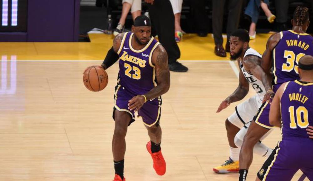 Los Angeles Lakers ilk galibiyetini aldı!