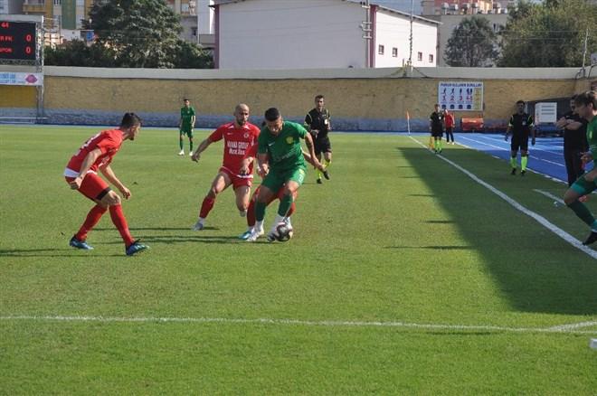 Osmaniyespor FK - 1954 Kelkit Belediyespor maçında gol sesi çıkmadı