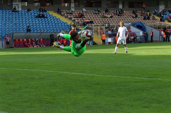 Kardemir Karabükspor, sahasında Bandırmaspor'a 3-0 mağlup oldu