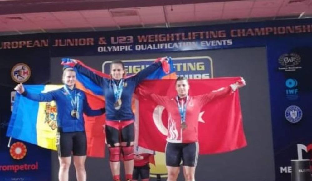 Milli halterci Tuğçe Boynueğri koparmada Avrupa üçüncüsü oldu