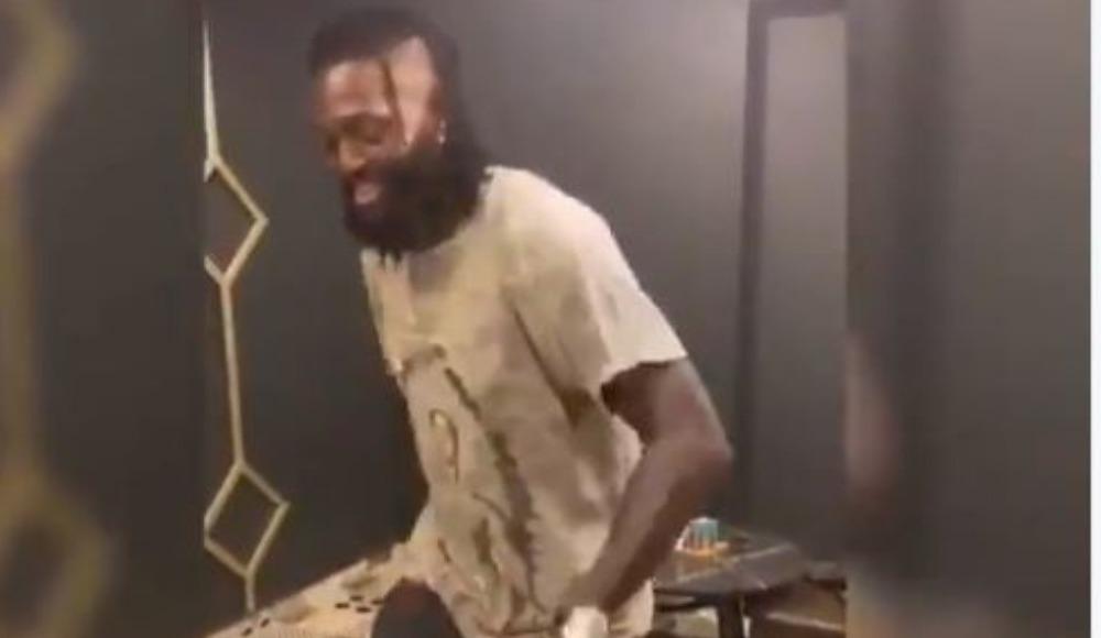 Adebayor'un mutluluk dansı