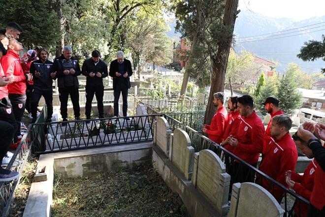 Samsunspor Zonguldak'ta efsanevi futbolcuyu  unutmadı