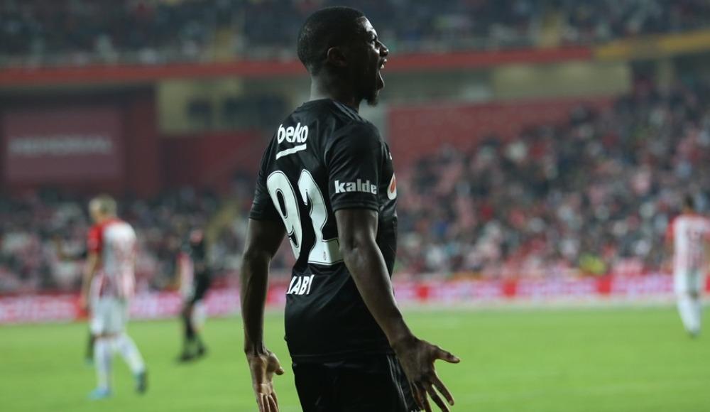 """Erk Toros: """"Diaby'nin gelecek sene de Beşiktaş'ta kalacağına inanıyorum"""""""