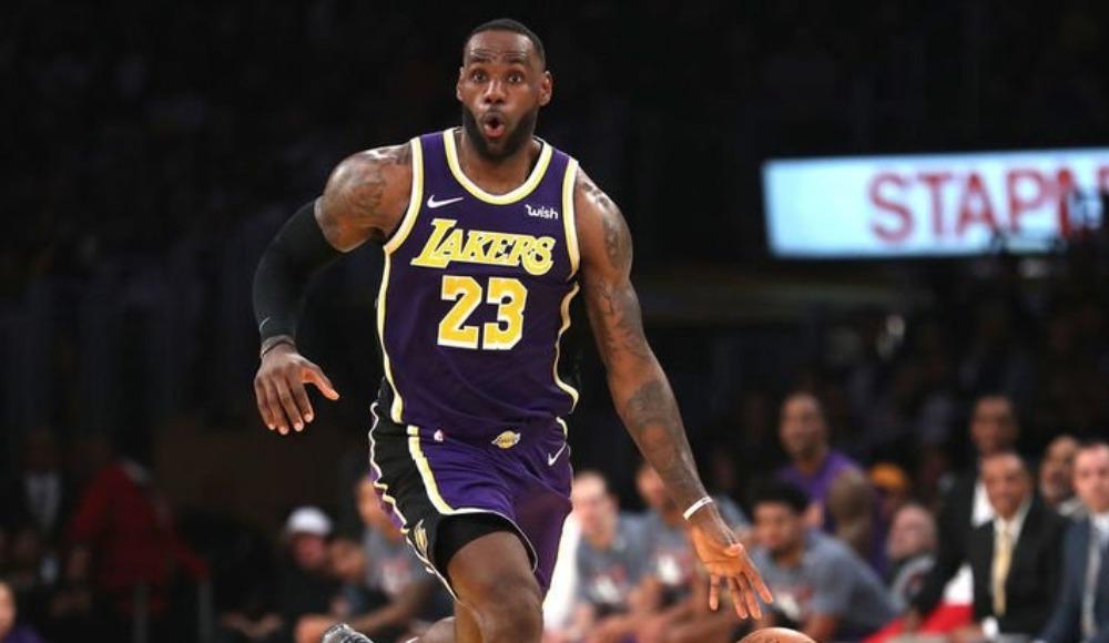 """LeBron James'ten 'yük yönetimi' açıklaması: """"Sağlıklıysam oynarım"""""""