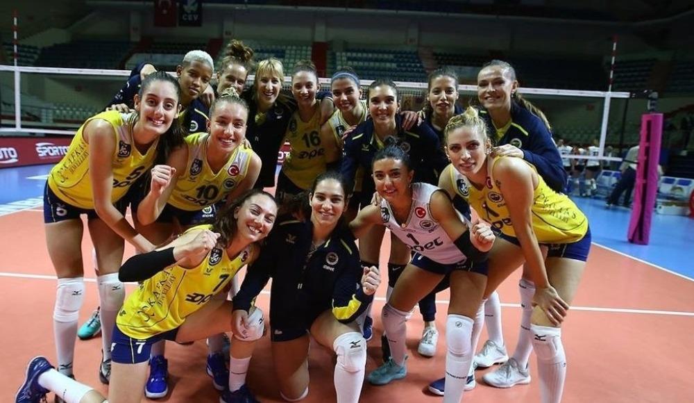 Fenerbahçe Opet, Beylikdüzü Voleybol İhtisas'ı 3-0 yendi