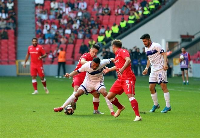 Samsunspor sahasında Hacettepe'yi 2-1 yendi