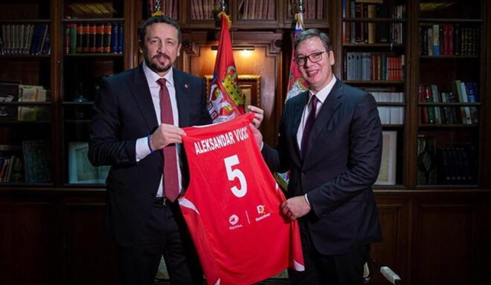 Hidayet Türkoğlu, Aleksandar Vucic'i ziyaret etti