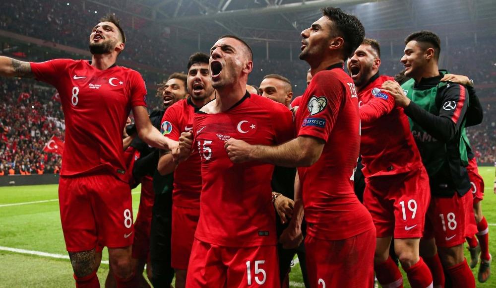 A Milli Futbol Takımı büyük ödülü kaptı!