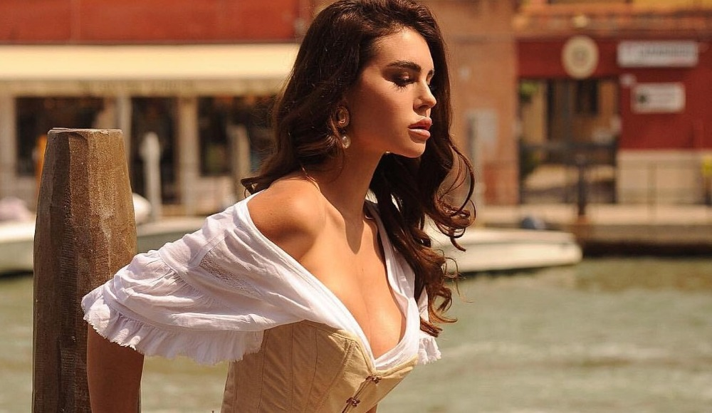 Silvia Caruso İtalya'yı sallamaya devam ediyor!