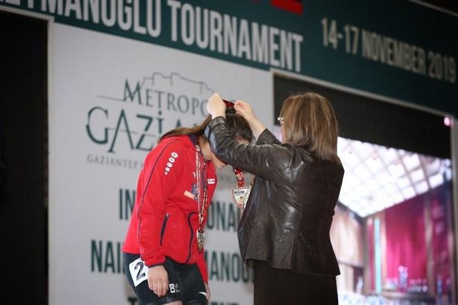 Uluslararası Naim Süleymanoğlu turnuvası başladı