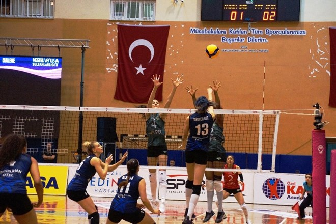 Aydın Büyükşehir Belediyespor, PTT'yi 3-2 mağlup etti