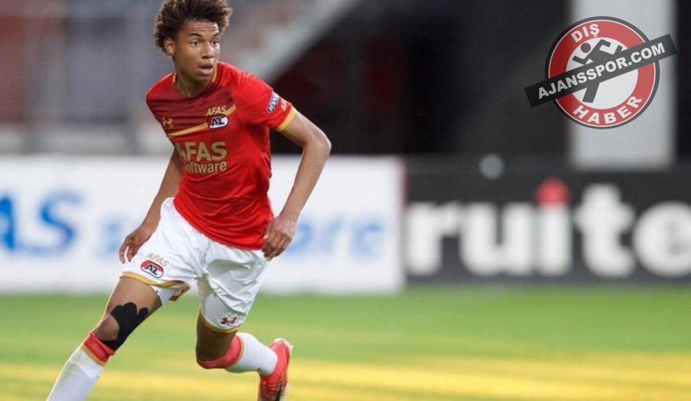 Barcelona, Calvin Stengs'i transfer listesine aldı