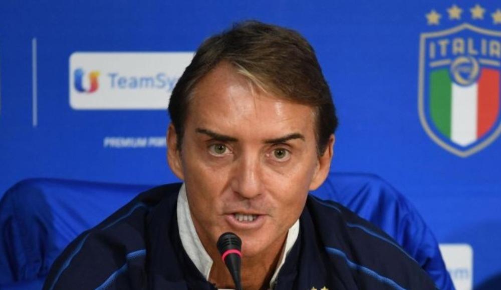 Roberto Mancini tarihe geçti!