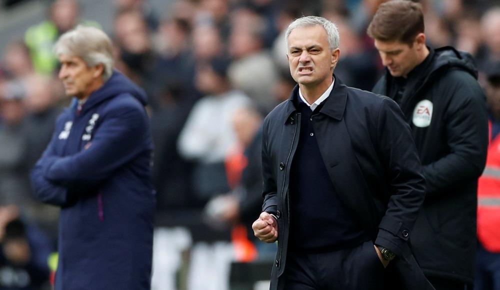 Jose Mourinho ilk gole böyle sevindi