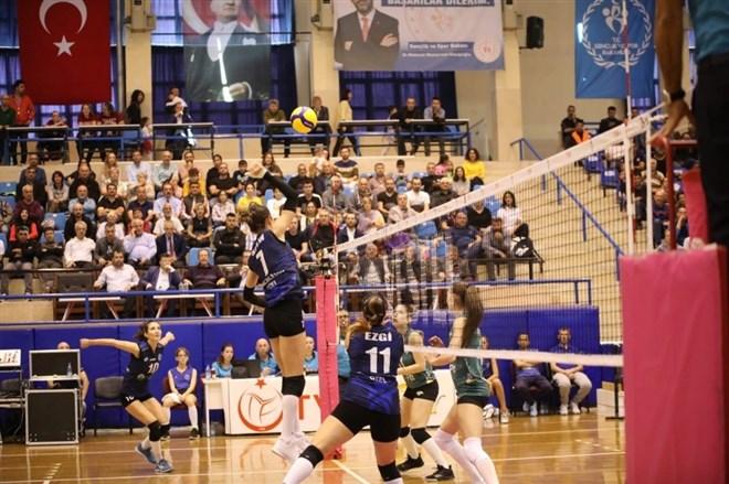 Aydın Büyükşehir Belediyespor, THY'na 3-0 mağlup oldu