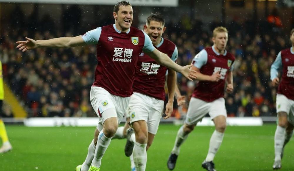 Burnley 3 puanı 3 golle aldı
