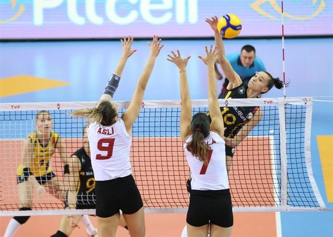 VakıfBank, Galatasaray'ı 3-1 yendi